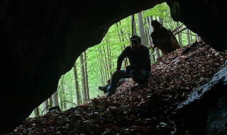 OS Ružomberok > prieskum jaskýň pod Červeným grúňom na Liptove